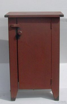 This Side Stand Cabinet captures the true look and feel of Colonial America… Primitive Furniture, Country Furniture, Furniture Plans, Furniture Making, Primitive Country Homes, Primitive Crafts, New England Furniture, American Country, Early American