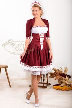 Folklore, Costumes Around The World, Hungarian Embroidery, Future Clothes, Beautiful Costumes, Female Girl, Super Cute Dresses, Folk Costume, Happy Girls