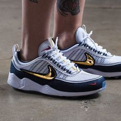 @bigdaddytang has been blinding the crew at SF HQ with some golden Swooshed Spiridons. #sneakerfreaker #snkrfkr #nike #spiridon