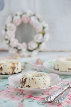 """""""vanilla ice donuts with spelled peanuts pops & almond cocoa crunch!"""" www.lisbeths.de"""