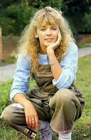 Kylie Minogue in neighbours Kylie Minogue Neighbours, Kylie Minigue, Poppy Costume, Melbourne, Beautiful Outfits, Beautiful Women, 80s Costume, Victoria, Celine Dion