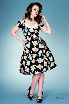 classic vintage dress with teapot print <3