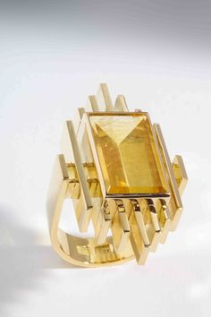 Rudolf Heltzel, Helidore yellow ring, 18ct yellow gold ring, set with mirror-cut heliodore, 22x38mm