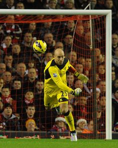 Liverpool goalkeeper Pepe Reina #LFC Liverpool Goalkeeper, Liverpool Football Club, Liverpool Fc, Football Soccer, Football Players, Capricorn And Taurus, Red Day, You'll Never Walk Alone, Fun To Be One