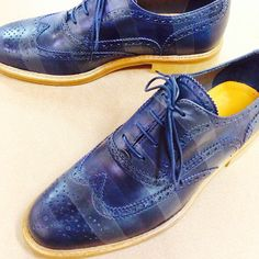 Neptunian wave // Dark blue and metal gray on blue leather. Men's wingtip brogue.