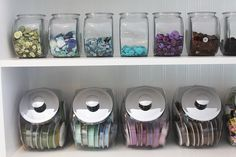 love this organization by color. Becky Oehlers studio @ hernidernisemiquaverdesignblog.com