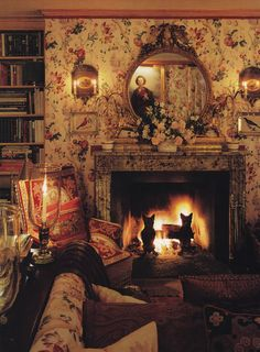 Come, sit by the fire and rest awhile...(Oscar de la Renta-Kent-Connecticut-HG July 1986-Mick Hales)