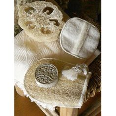 http://www.karawan.fr/boutique/75-311-thickbox/gant-exfoliant-en-loofah-eponge.jpg