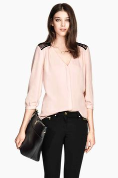 Blusa de encaje | H&M | 24.99€ | Nº. DE ARTÍCULO 0227992009