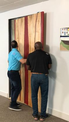 With our Easy Connect system you can quickly take the pocket door off.