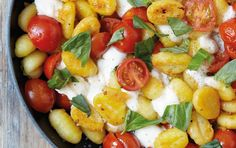 Fried Gnocchi with Mozzarella and Cherry Tomatoes. A combination of salty, buttery, crispy, carb-y goodness, with the umami hit of the tomatoes. Kitchen Recipes, Raw Food Recipes, Pasta Recipes, Italian Recipes, Dinner Recipes, Cooking Recipes, Cherry Tomato Recipes, Vegetarian Entrees, Le Diner