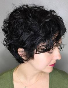 Today we have the most stylish 86 Cute Short Pixie Haircuts. We claim that you have never seen such elegant and eye-catching short hairstyles before. Pixie haircut, of course, offers a lot of options for the hair of the ladies'… Continue Reading → Curled Pixie Cut, Short Wavy Pixie, Short Wavy Haircuts, Short Natural Curly Hair, Curly Pixie Hairstyles, Curly Hair With Bangs, Short Curls, Cute Hairstyles For Short Hair, Hairstyles Haircuts