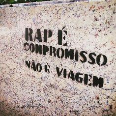PRA TU QUE DUVIDAVA BB, preciso nem falar mais nada!! Street Graffiti, Street Art, Dark Paradise, Hip Hop Rap, Rap Music, Urban Art, Best Quotes, Texts, Reflection