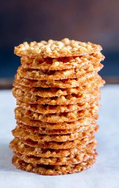 These peanut thins are one of the first biscuits I learnt to make. They are super thin, making them wonderfully crispy and so unlike a normal peanut cookie. But they are melt in the mouth delicious. Peanut Cookies, Crispy Cookies, Sprinkle Cookies, No Bake Cookies, Lace Cookies, Baking Cookies, Peanut Recipes, Baking Recipes, Sweet Recipes