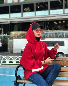 Hijab styles 752453050222797344 - Image may contain: one or more people, people sitting, hat and outdoor Source by israshehu Modern Hijab Fashion, Street Hijab Fashion, Hijab Fashion Inspiration, Muslim Fashion, Modest Fashion, Classic Fashion, Classic Style, Stylish Hijab, Casual Hijab Outfit