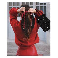 """1,503 Me gusta, 7 comentarios - Sfera (@sferaofficial) en Instagram: """"Sundays in red. #sfera #woman #streetstyle"""""""