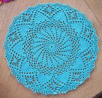 crochet doily - free pattern! so cute!