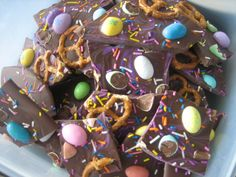 Easter Candy Bark recipe from What's Cooking on Planet Byn. So pretty and looks so yummy!