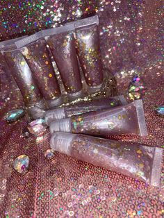 🌸Rebel & Glow Goddess🌸 🦄Rebel Glitter Goddess Cosmetics LLC 🌸All Natural, Organic Skin Care & Cosmetics 🦄Handmade Soap, Lip Gloss, Body. Lip Gloss Homemade, Gloss Labial, Business Inspiration, Jojoba Oil, Organic Skin Care, Eyelashes, Lips, Rose Gold, Cosmetics