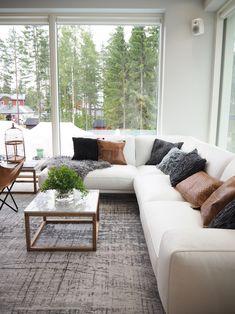 Moderni ja skandinaavinen sisustusblogi. Mukana myös lapsiperheen arkea sekä muodin uusia tuulia. Outdoor Sectional, Sectional Sofa, Couch, Outdoor Furniture, Outdoor Decor, Lounge, Bedroom, Interiors, Home Decor