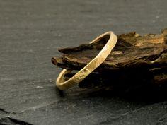 Goldringe - Ring 333 Gold, 8 CT, gehämmert - ein Designerstück von Stein_an_Stein bei DaWanda