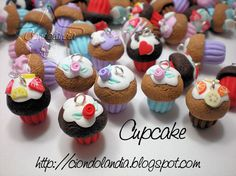 Charms Cupcake_ Fimo_ Hand Made_ Ciondoli dolcetti_ Dolci bijoux
