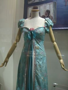 The Costumer's Guide to Movie Costumes ENCHANTED  Giselle's Curtain Gown