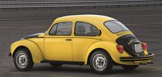 Volkswagen's limited-edition Beetle GSR was designed to be tuned Volkswagen Models, Vw Volkswagen, Beetle Gsr, Vw Modelle, Vw Super Beetle, Cartoon Fan, Old Classic Cars, Ocean City, Vw Beetles