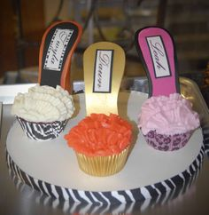 stiletto heel cupcake   Twyla, Dawn and Leah- the fabulous trio at Aesthetica!