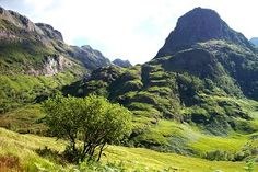 TOP 2 - Lost Valley (Coire Gabhail), Glen Coe (Walkhighlands) - rough and dramatic, views of Three Sisters