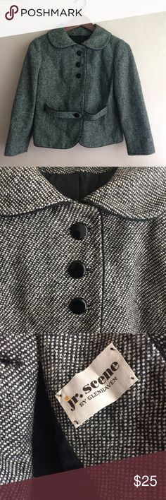 Vintage Cropped Tweed Jacket, Perfect Condition This is an amazing little jacket in perfect vintage condition. With Peter Pan collar, cropped hemline, and an Audrey Hepburn charm. I'm sad to let this go. There is no size tag, but the fit is like an XS or 2/4 US. Jackets & Coats Pea Coats