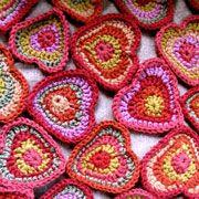crochet heart (chart) #freecrochetpattern  Link to pdf: http://mielitty.com/mallit/virkattu_sydan.pdf