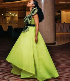 Tonight at # Dres African Formal Dress, African Wear Dresses, African Wedding Dress, African Traditional Dresses, Traditional Wedding Dresses, African Attire, African Outfits, African Weddings, Unconventional Wedding Dress