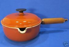 Vintage Le Creuset saucepan spout pour #17 1qt Reddish brown Wood handle