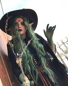 I had a really fun time creating my own character to wear to the ren faire. Her name is Hyacinth Sybil and is a circle of land swamp Druid. Pagan Witch, Sea Witch, Witches, Witch Costumes, Fantasy Costumes, Witch Cosplay, Vintage Witch, Vintage Halloween, Halloween Inspo