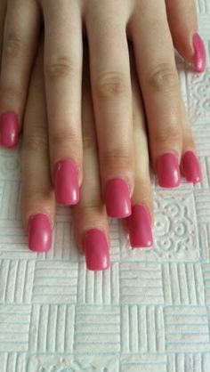 Acrylic extensions with mat look gel polish