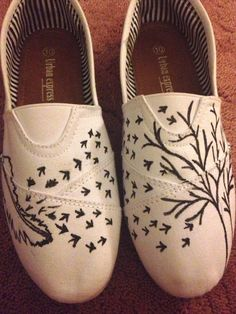 Flying Birds shoe by Kobiscustomizable on Etsy, $65.00
