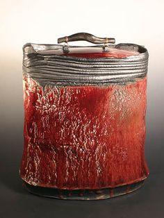 Eddie Curtis, Large container, Stoneware, 2007, H 49cm W 43cm D 21cm.