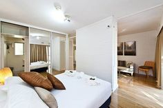 Maggie's House Perth Maggie's House offers accommodation in Perth, 2 km from Domain Stadium and 2 km from Patersons Stadium. The property is 3.1 km from Perth Convention and Exhibition Centre and free private parking is provided.