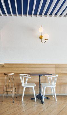 """Calafell. Junio 2016 La Mar de Fons es un restaurante en primera linea de mar en el pueblo de Calafell, """"hermano pequeño canalla""""..."""