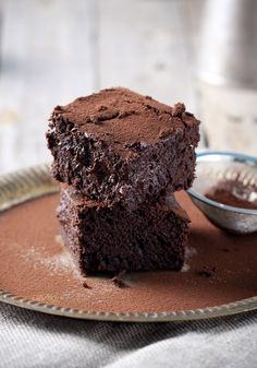 Here's how to make the gooiest brownies ever, with just six ingredients and one trusty appliance.