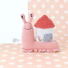 Abigail the Snail Free Crochet Pattern By Elisa's Crochet Knitted Dolls, Crochet Toys, Free Crochet, Double Crochet, Single Crochet, Amigurumi Patterns, Crochet Patterns, French Knot Embroidery, Yarn Organization