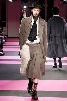 CASA MIDDAS: Yohji Yamamoto apresenta coleção Inverno 2013 na Semana de Moda Masculina em Paris