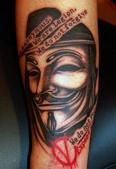 Em ritmo de revolução: 58 tatuagens de V de Vingança