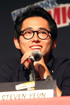Steven Yeun - Glenn from the TV show The Walking Dead Glenn The Walking Dead, Walking Dead Season, Steve Yeun, Glenn Y Maggie, The Walkind Dead, Courageous People, Pretty Boys, Famous People, Eye Candy