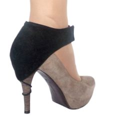 Shoe heel protector while driving. by jekateraaccessories on Etsy