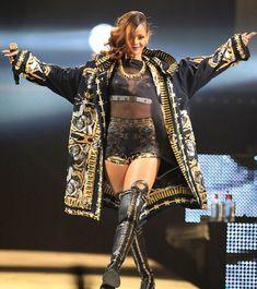 Rihanna, Chris Brown News [VIDEO]: Breezy at 'Diamonds World Tour Concert', RiRi asks Crowd 'How Many of You Don't Understand Love? Rihanna Diamonds, Concert Looks, Rihanna Outfits, Rihanna Fenty, Chris Brown, Urban Outfits, Show, Eminem, Belle