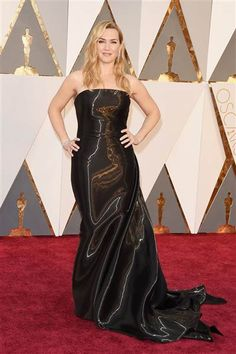 Rubber Made from Fashion Police: Oscars 2016 It's unclear how Kate Winslet can even maneuver down the red carpet in this shiny, rubber-looking Ralph Lauren dress. Alicia Vikander, Kate Winslet, Red Carpet 2016, Oscars Red Carpet Dresses, Celebrity Red Carpet, Celebrity Dresses, Celebrity Style, Celebrity Gallery, Jennifer Lawrence