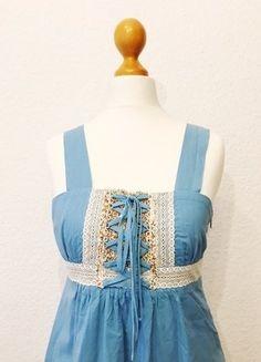 Kaufe meinen Artikel bei #Kleiderkreisel http://www.kleiderkreisel.de/damenmode/kurze-kleider/139317065-dirndl-kleid-blau-mit-spitze-gr-s