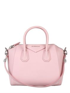 A Stylabl best seller! GIVENCHY - SMALL ANTIGONA GRAINED LEATHER BAG